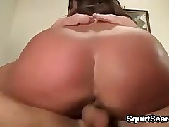 MILF Squirting At one's..