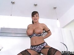 Reward Onwards MILF Lisa Ann..