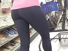 milf helter-skelter yoga pants