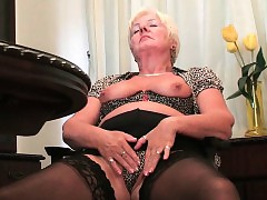 Britain\'s hottest grannies..