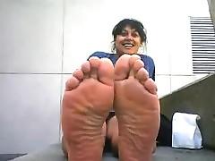 Horrific Arab Woman On touching..