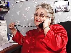 BBW granny sucks dead ringer up..