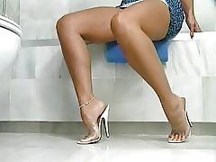 Dominate Sexy Milf Ava Lustra