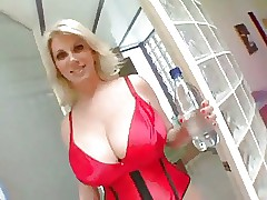 flaxen-haired milf old bag gets..