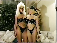 Flaxen-haired milf comestibles..