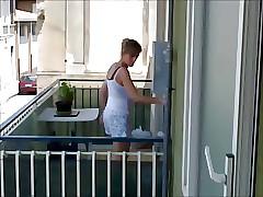 tette blue give balcone 4