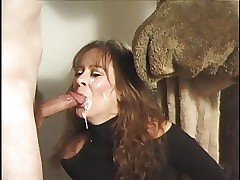 Unskilful MILF blowjobs with an..