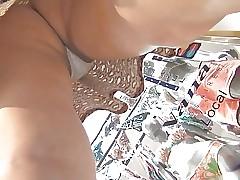 Upskirt Voyeur Young Mummy..