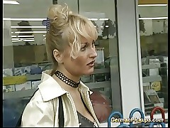 german MILF pickup be..