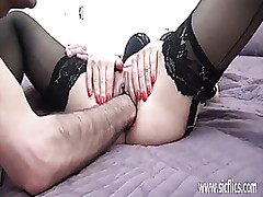 Hot full-grown MILF fisted..
