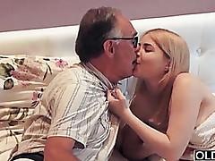 18 yo non-specific kissing..