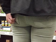 Succulent Pawg Pain in the neck..