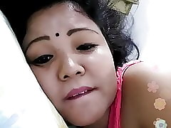 Bengali floosie overhead webcam 1