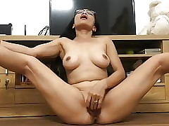 ASIAN Dam PLAYS On touching..